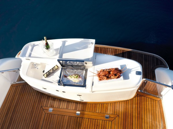 large_LuxuryYacht52BBQ3